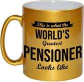 This is how the worlds greatest pensioner looks like koffiemok / theebeker - 330 ml - goudkleurig - carriere switch / VUT / pensioen - bedankt cadeau collega / teamgenoot