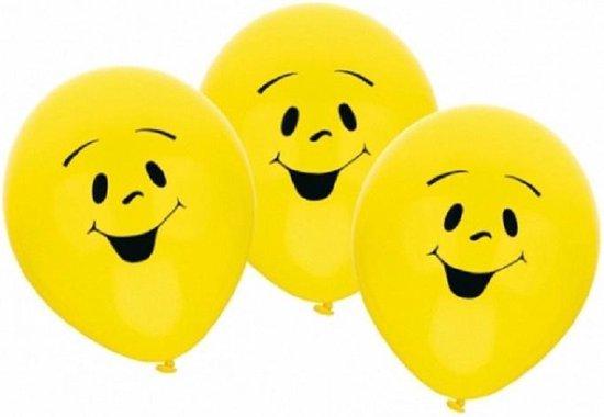 12x stuks gele Party ballonnen smiley emoticons thema - Verjaardag feestartikelen/versiering