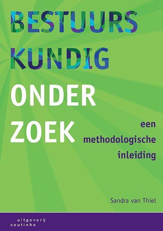 Boek cover Bestuurskundig onderzoek van Sandra van Thiel