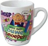 Mok - Cartoon Mok - Voor een ouwe snoeper - Gevuld met een dropmix - In cadeauverpakking met gekleurd krullint