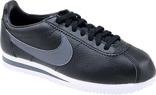 Nike Classic Cortez Leather Sportschoenen - Maat 42 - Mannen - zwart/grijs