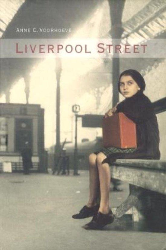 Liverpool street + 518 - Anne Voorhoeve |