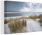 Duinen met strandgras voor de Noordzee 90x60 cm - Foto print op Canvas schilderij (Wanddecoratie woonkamer / slaapkamer) / Zee en Strand