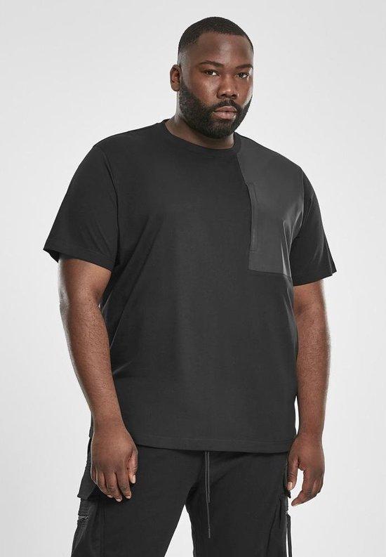 Urban Classics Heren Tshirt -M- Military Shoulder Pocket Zwart