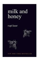 Boek cover Milk and Honey van Rupi Kaur (Paperback)