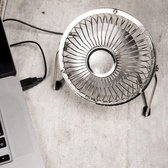 Usb Ventilator - Zilver - Kikkerland