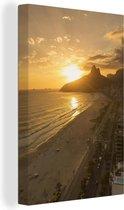 Zonsondergang bij het Zuid-Amerikaanse Ipanema-strand Canvas 40x60 cm - Foto print op Canvas schilderij (Wanddecoratie woonkamer / slaapkamer)