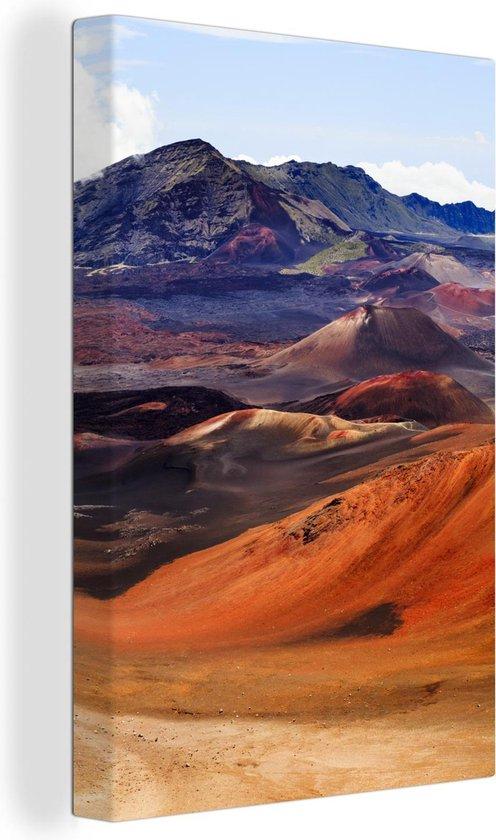 Fel gekleurde stenen in het Nationaal park Volcanoes canvas 120x180 cm - Foto print op Canvas schilderij (Wanddecoratie woonkamer / slaapkamer) XXL / Groot formaat!