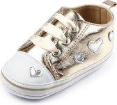 Gouden sneakers met hartjes - Kunstleer - Maat 18 - Zachte zool - 0 tot 6 maanden