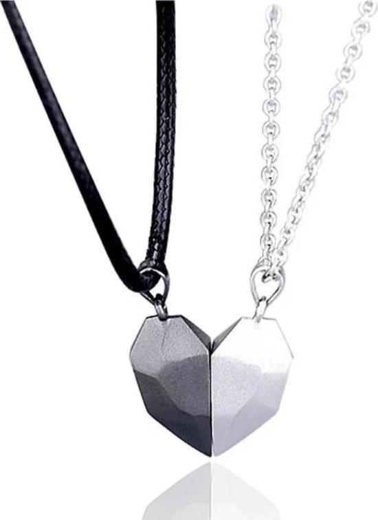 Magnetische Hartjes Ketting | Set Magneten / Magneet | Zwart koord / verzilverde ketting wit | Liefde | Romantisch Cadeau | Cadeau voor Man | Geschenkset Mannen | Geschenkset Vrouwen | Relatie | Koppel | voor Hem