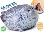Bibi de Zeehond XL – Seal Pillow – 60 cm – Dik Zeehonden Kussen – Knuffel Zeehond – Grappig Schattig Slaapkussen - Dieren Relax Kussen - Kamer Decoratie - Zachte Dierenknuffel - Housewarming Cadeau - Ondersteuningskussen - ®Airborne Seal