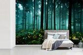 Fotobehang vinyl - Vuurvliegjes verlichten een bos breedte 390 cm x hoogte 260 cm - Foto print op behang (in 7 formaten beschikbaar)