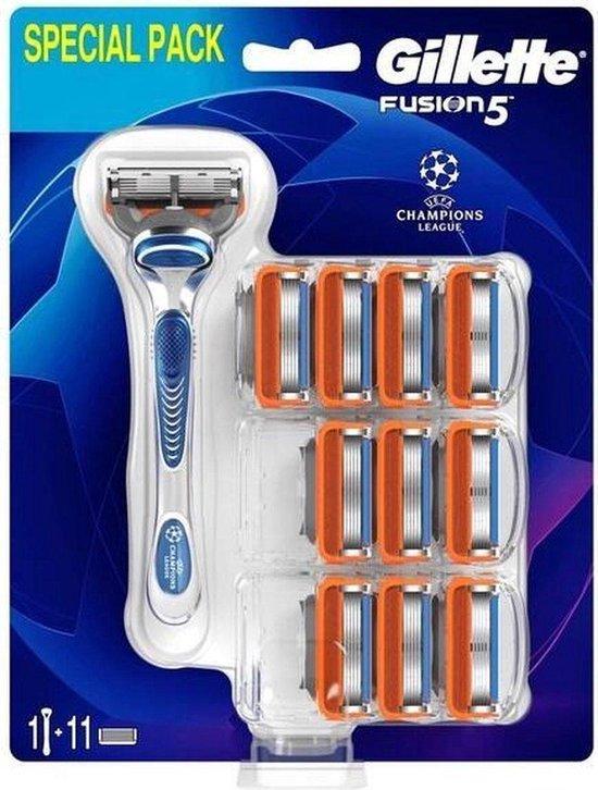 Gillette - Fusion 5 Set - Holící strojek s náhradními břity (M)