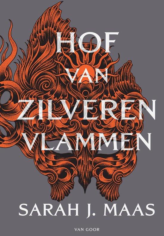 Boek cover Hof van zilveren vlammen van Sarah J. Maas (Onbekend)