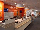Plexiglas scherm 90 x 75cm | Ophang spatscherm | Preventiescherm | VitrineMedia