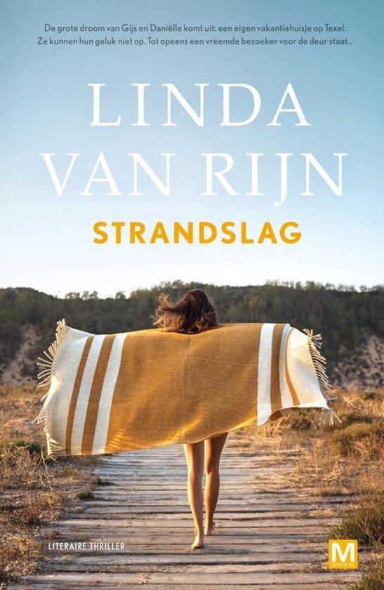 Boek cover Strandslag van Linda van Rijn (Paperback)