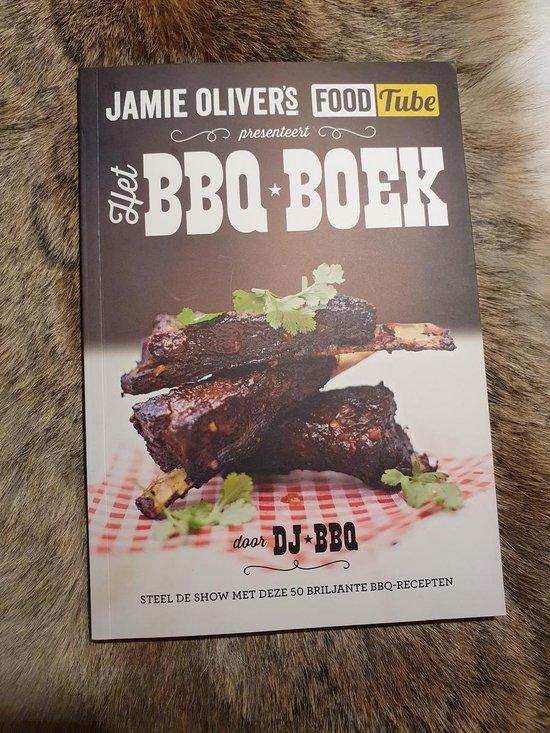 Boekomslag van 'Jamie Oliver's Foodtube presenteert Het BBQ boek'