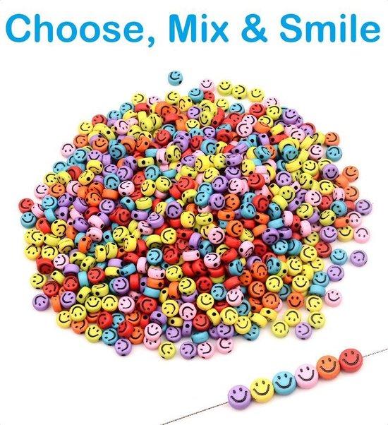 PLAY IT Smiley Kralen 100 stuks - 7 mm - Regenboog Kleuren - Inclusief Elastisch Koort