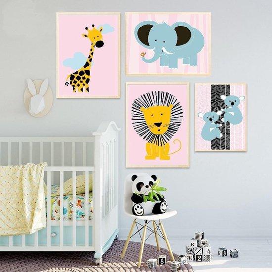 Postercity - Design Canvas Poster Stoere Leeuw Roze / Kinderkamer / Dieren Poster / Babykamer - Kinderposter / Babyshower Cadeau / Muurdecoratie / 40 x 30cm / A3
