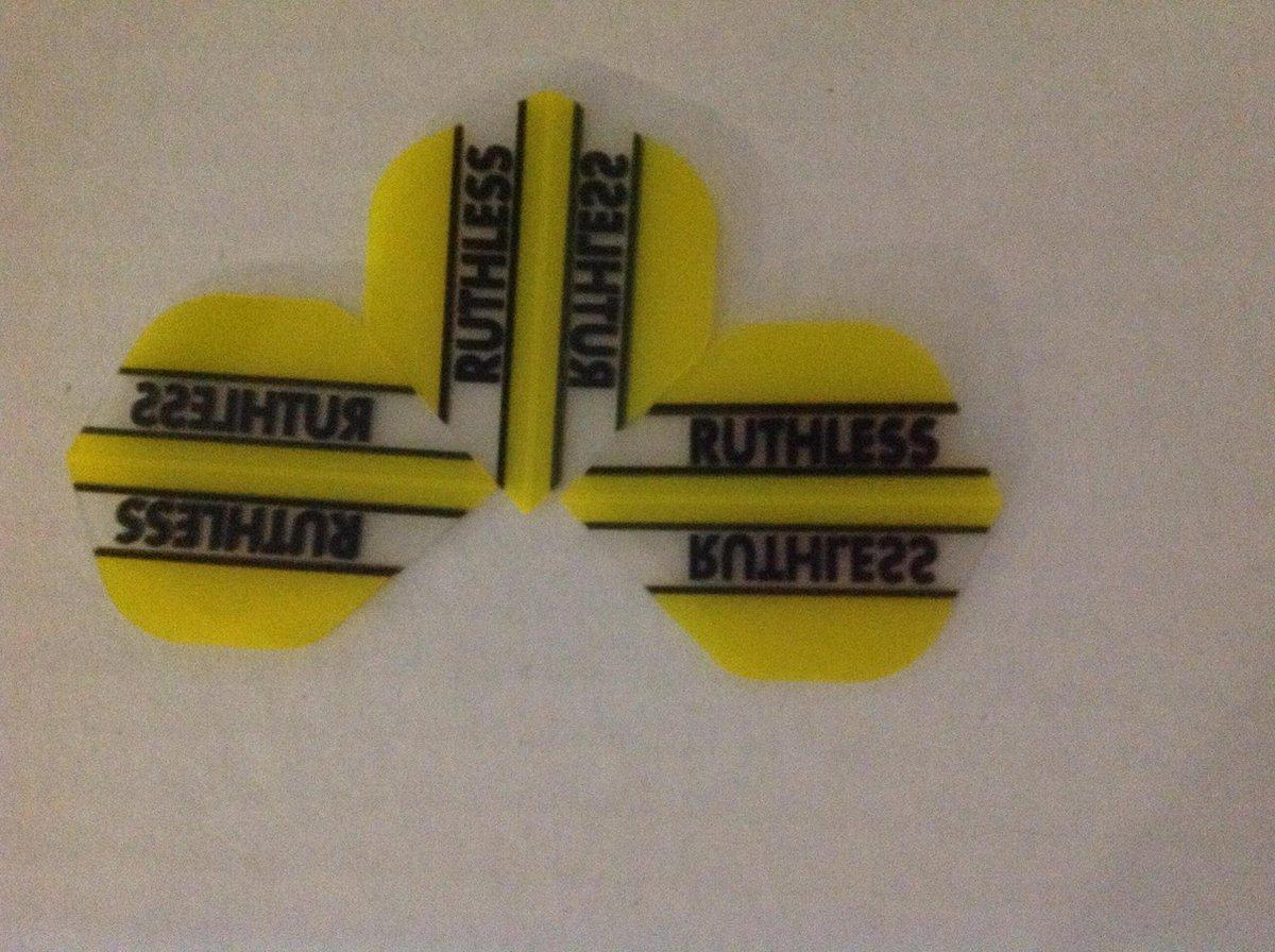 ruthless 5 flights sets geel/doorzichtig