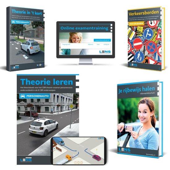 Boek cover AutoTheorieboek Rijbewijs B 2021 met 50 Online Examens - Totaal theorie pakket voor theorie Rijbewijs B - Samenvatting - Praktijkbegeleiding - Verkeersborden - Compleet Pakket 2021 van Lens Verkeersleermiddelen (Onbekend)