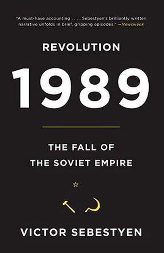 Boek cover Revolution 1989 van Victor Sebestyen (Paperback)