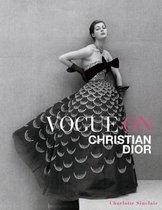 Boek cover Vogue on Christian Dior van Charlotte Sinclair