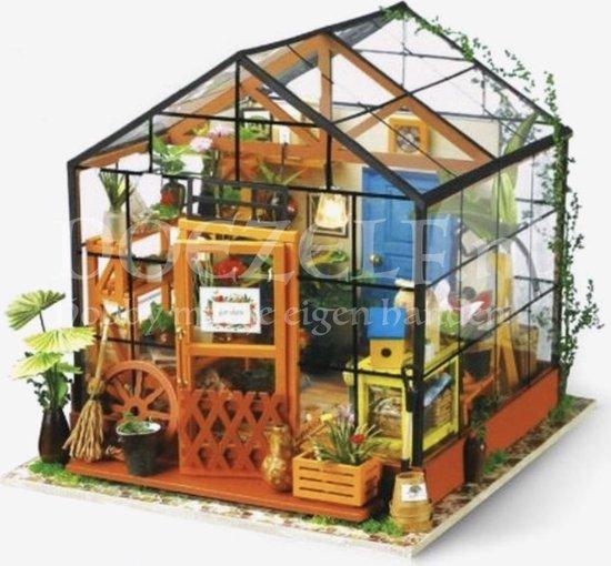 Afbeelding van Robotime modelbouw Miniatuur bouwpakket Cathys Flower House hout/papier/kunststof - 195mm hoog x 175mm breed x 175mm diep - met lampje speelgoed