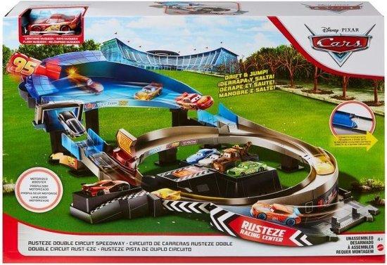 Disney Cars Rusteze Racebaanset met Dubbele Banen - Speelset