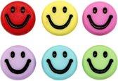 Letterkraal smiley - rond 7mm - gekleurd gemengd - 10 stuks
