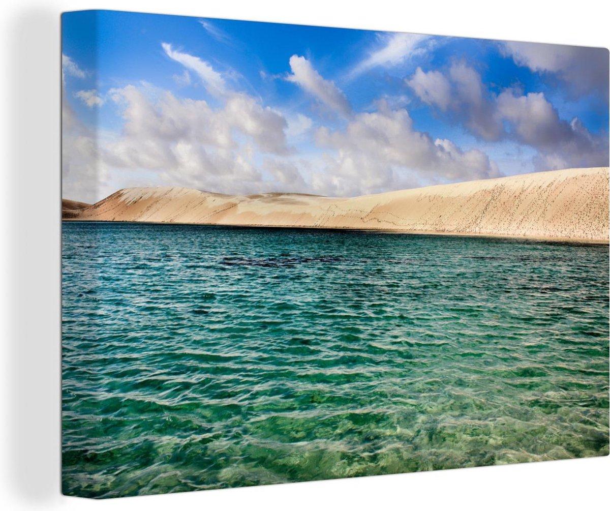 Canvas Schilderijen - Een blauwe lucht en het ontzettend helder water van het Nationaal park Len  is - 90x60 cm - Wanddecoratie