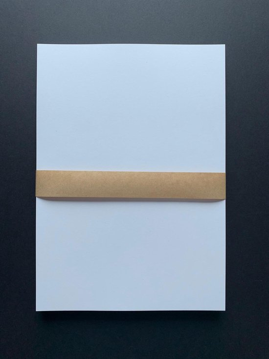 Afbeelding van 50 vel gekleurd hobby karton / papier, A4 210x297 mm – stevig 240 grams glad karton kleur wit speelgoed