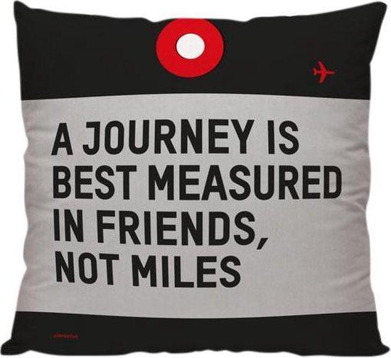 'A Journey Is Best Measured in Friends, Not Miles' - Sierkussen - 40 x 40 cm - Reis Quote - Reizen / Vakantie - Reisliefhebbers - Voor op de bank/bed