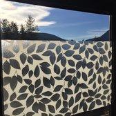 Decoratieve raamfolie met bladeren print  blad bloemen motief   zelfklevend   91 x 300   krasvast   uniek design