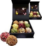 ChocolaDNA Exclusieve handgemaakte chocolade bonbons truffels in luxe geschenkverpakking - 3 x 9 stuks