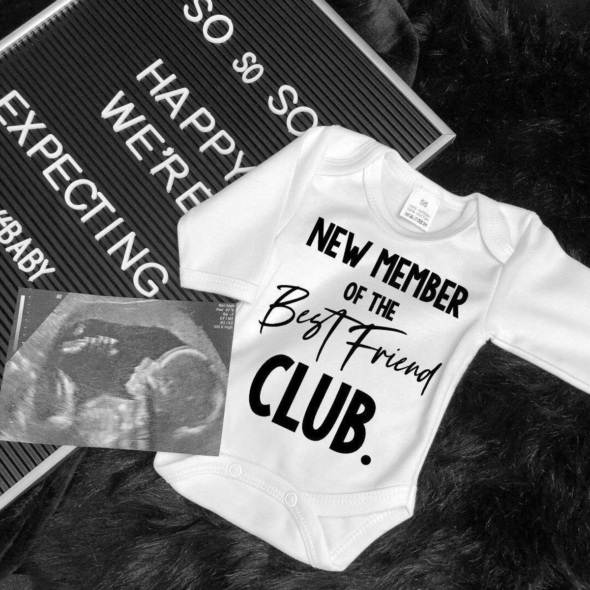 Zwangerschaps aankondiging rompertje new member best friend club   Jullie baby geluk bekendmaken aan jullie beste vrienden met deze geweldige romper   Cadeau voor je beste vriend vriendin.