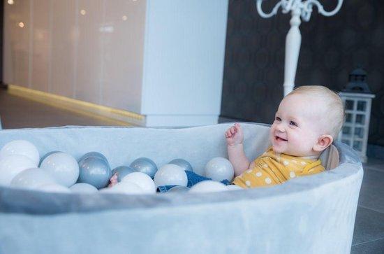 Thumbnail van een extra afbeelding van het spel (baby) ballenbad velvet grijs met 120 ballen Wit met zwart