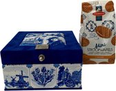 The Dutch Tea Box Holland Souvenir Theedoos met Thee en Stroopwafels Cadeau - 4 vaks - Blauw