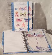 LIBOZA - English notebook-organiser ´I am Super Organised´- INCLUDING PEN - Butterflies illustrations -  specific for 2021 - Teenage girl -18 x 15 -  175 pages - hardcover - present - cadeau - notitieboek - tiener - meisjes