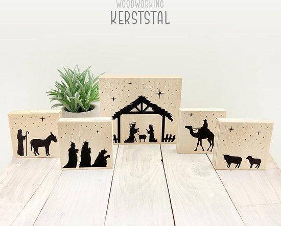 Houten kerststal decoratie met Jozef, Maria, drie wijzen, herder en dieren
