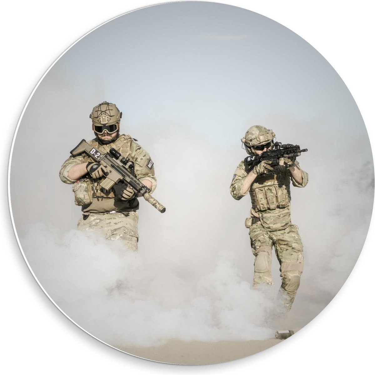 Forex Wandcirkel - Soldaten in Mist - 50x50cm Foto op Wandcirkel (met ophangsysteem)