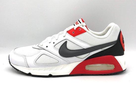 Nike Air Max IVO (Habanero Rood) - Maat 40.5