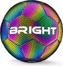 The BRIGHT™ Lichtgevende Voetbal | Reflecterend | Holografisch | Glow in the Dark | Kinderen en Volwassenen | Unisex | Wit/Zwart/Roze/Blauw/Geel | Maat 5