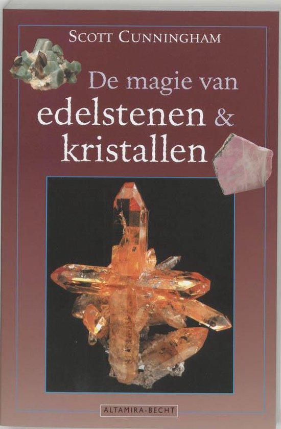 Cover van het boek 'De magie van edelstenen en kristallen' van Scott Cunningham