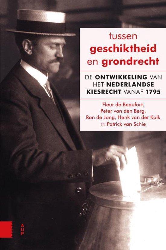 Boek cover Tussen geschiktheid en grondrecht van Fleur de Beaufort (Paperback)