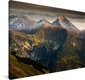 Een donkere lucht boven het Nationaal Park Tatra in Slowakije Canvas 60x40 cm - Foto print op Canvas schilderij (Wanddecoratie woonkamer / slaapkamer)