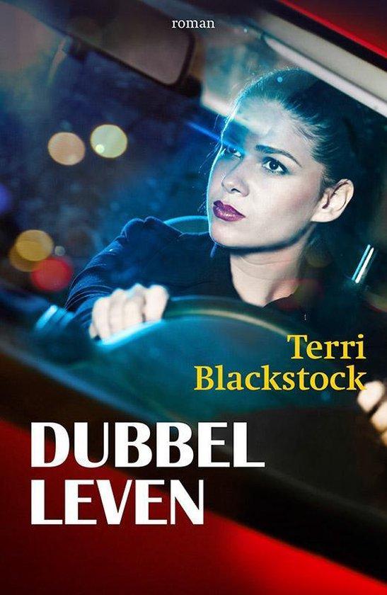 In het maanlicht 2 - Dubbelleven - Terri Blackstock | Fthsonline.com