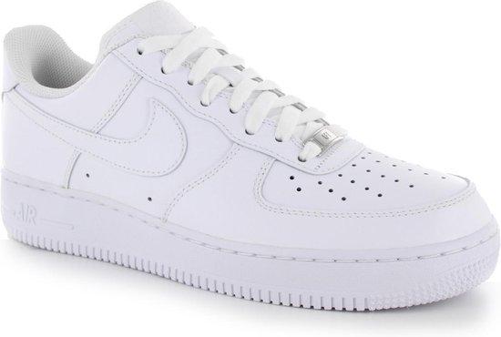 bol.com | Nike - Wmns Air Force 1 07 - Dames - maat 36