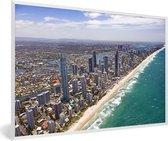 Foto in lijst - Luchtfoto van de Gold Coast in Australië fotolijst wit 60x40 cm - Poster in lijst (Wanddecoratie woonkamer / slaapkamer)
