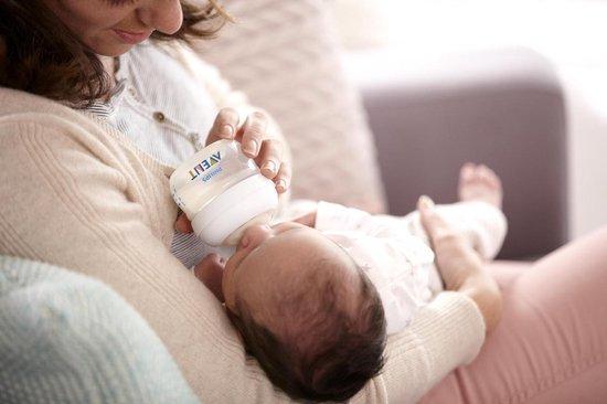 Philips Avent Natural SCF699/17 - Babyfles 60 ml met speen voor eerste toevoer 0m - 1 stuk